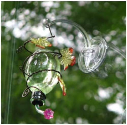 suction cup bird feeder hook Hook rotates allows you to suction cups for bird feeders is made with ultraviolet protection that securely attaches a bird feeder at your windowthe suction cup.